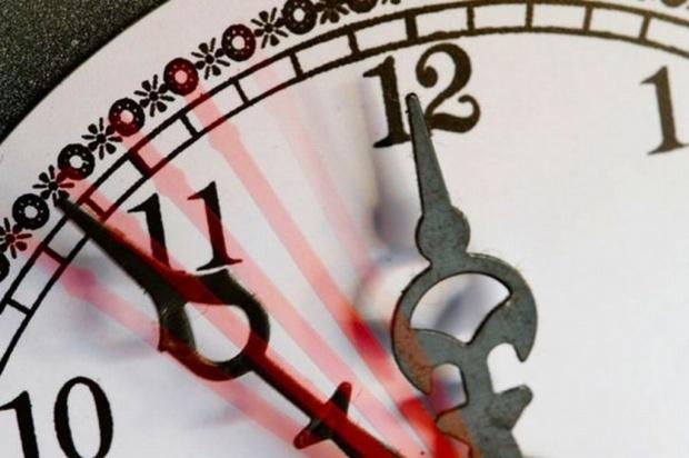 W święta zmieniamy czas na letni: czasowo wzrośnie ryzyko udaru