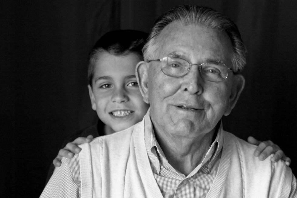 Posłowie PiS: dzieci nie powinny przebywać w otoczeniu starości, choroby i śmierci