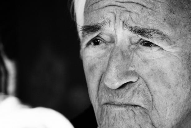 Samotność starszych to często droga do depresji