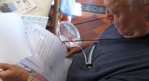 Pobyt w domu opieki: warto dokładnie przeczytać umowę