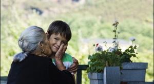 Gdańsk: gdy zasłabła babcia, 4-letni wnuczek wyszedł z domu. Pomogli dociekliwi policjanci