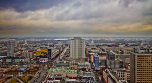 Smog w stolicy. Miasto apeluje do starszych by unikali dłuższego przebywania na zewnątrz