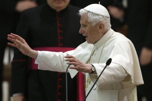 """""""Ukryty dla świata"""" emerytowany papież skończył 89 lat"""