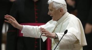 Watykan: emerytowany papież nie cierpi na postępujący paraliż