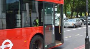 Gdańsk: 90-latka poturbowana przez drzwi autobusu wywalczyła odszkodowanie
