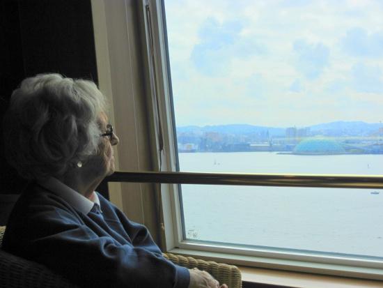 Największy odsetek mieszkających samotnie jest wśród osób 60+