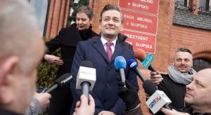 Biedroń stawia na przejrzystość budżetu Słupska. Co dla seniorów?