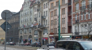 Poznań: restauracje nieodpłatnie ugoszczą seniorów i wolontariuszy