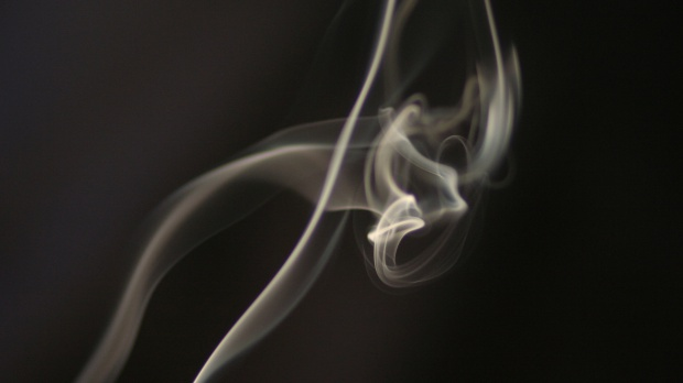 E-papierosy zakazane w miejscach publicznych: w domach seniora można wyznaczyć palarnie