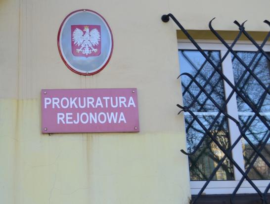 Małopolskie: zarzuty dla opiekunki za domu pomocy za okradanie podopiecznych