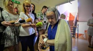 Warszawa wprowadza nowoczesne technologie w opiece nad seniorami