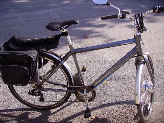 Starsi chętnie korzystają z rowerów elektrycznych
