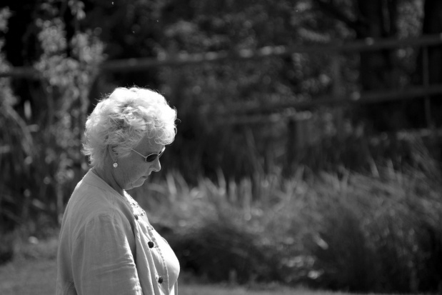 """To nie objawy starości, to """"tylko"""" depresja"""