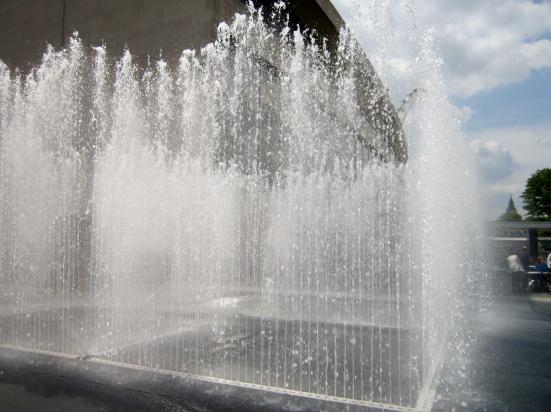 Uwaga upały! W Warszawie pojawią się kurtyny wodne