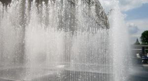 Warszawa: z powodu upałów będą rozstawiane bramki wodne