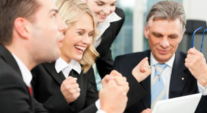 Pracownicy 50+: lojalni i zdyscyplinowani, wolą współpracę od rywalizacji