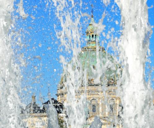 Kraków: w upalne dni pomogą kurtyny wodne i pitniki