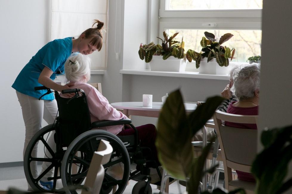 Nadchodzi rewolucja kadrowa w domach pomocy społecznej?