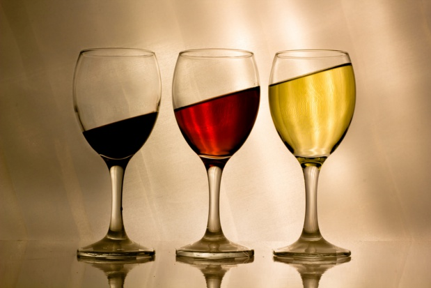 Kieliszek wina nie chroni nas przed udarem
