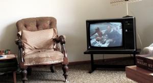 Starsi widzowie chętniej niż inni oglądają dokumenty i teleturnieje