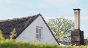 Lubuskie: wichura zabiła 67-latka, który naprawiał uszkodzony dach