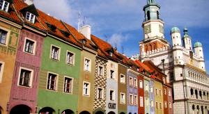 Seniorzy w Poznaniu mogą zamówić nieodpłatne umycie okien