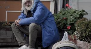 CBOS: seniorzy rzadziej znajdują się w sytuacji skrajnej biedy