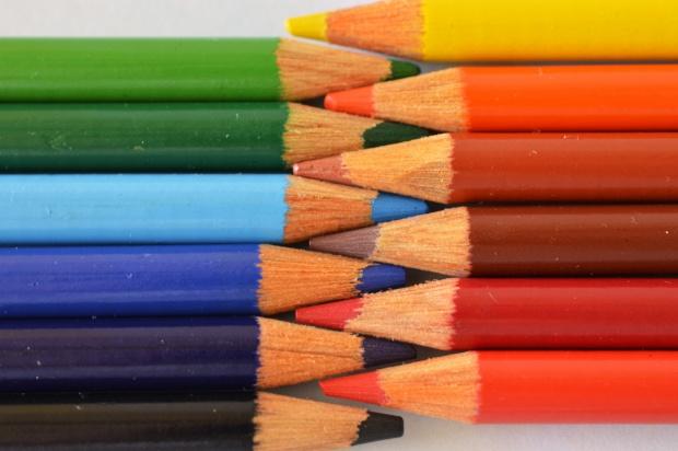 Młodsi mają pokemony, starsi - kolorowanki. Psycholożka przekonuje, że są korzystne dla mózgu