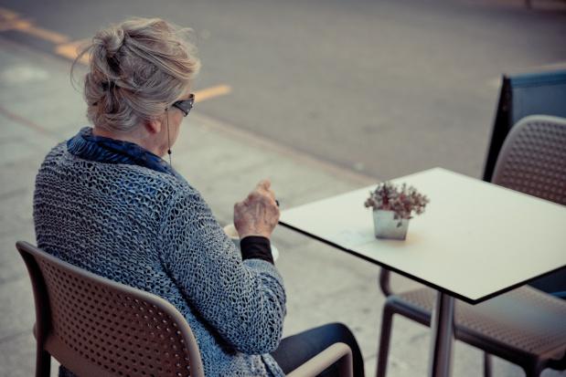 """""""Wiercenie się"""" na krześle ma jednak sens. Okazało się, że zapobiega chorobom naczyń"""