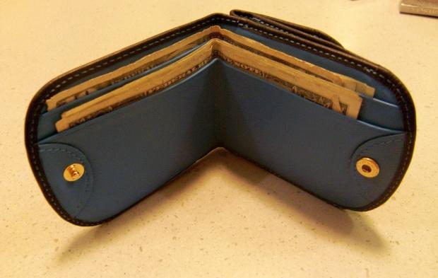 Finanse emerytów: im więcej lat, tym chudszy portfel