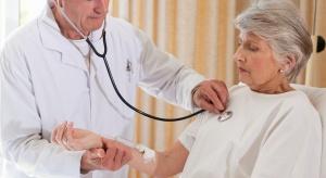 NFZ: liczba lekarzy rośnie, problemem jest starzenie się kadr