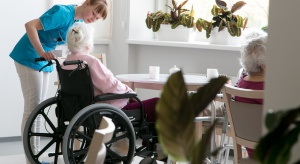 Poradnik dla opiekunów osób z demencją. Pięć rzeczy, które trzeba wiedzieć