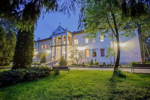 Klimatyczny dom seniora w górskim klasztorze. Zobacz, jak wygląda