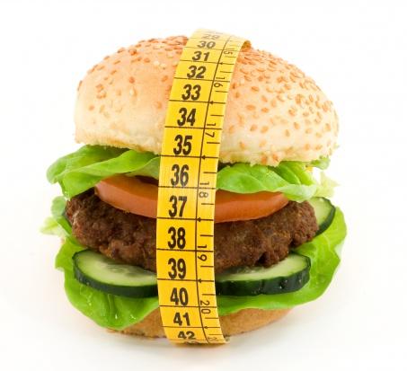Poczucie głodu wpływa na objadanie się? To mit