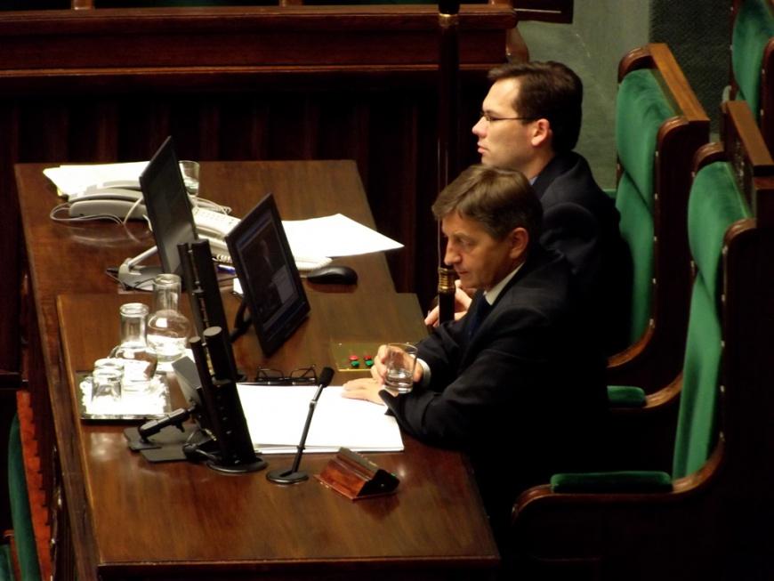 """Parlament seniorów to """"prywatna, niedemokratyczna inicjatywa"""". Jest decyzja marszałka"""