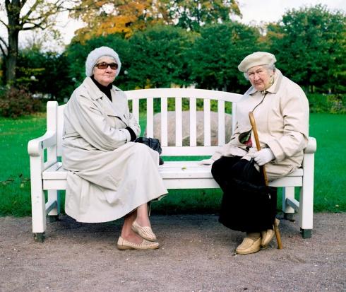 Najważniejsze problemy seniorów: choroby układu krążenia, nowotwory i dostęp do leków
