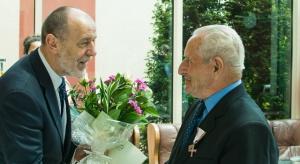 """Poseł PiS o obniżeniu wieku emerytalnego: """"stać nas, chociaż to śmiała decyzja"""""""