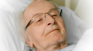 Nieskuteczne leczenie białaczki u seniorów to problem mentalny?