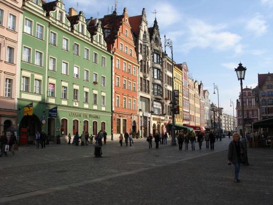 Wrocław: plenerowa wystawa nt. codziennego życia w hospicjum