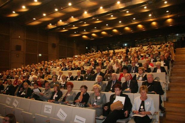 Obywatelski Parlament Seniorów: rynek nie umie zagospodarować potencjału osób starszych