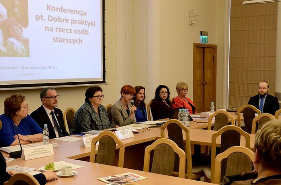 Bojanowska: pracujemy nad rozwiązaniami zwiększającymi bezpieczeństwo seniorów
