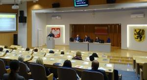 Zastępca RPO: tylko co dziesiąty DPS zapewnia właściwą opiekę medyczną