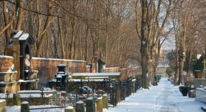 Warszawa: około 250 osób kwestowało na Starych Powązkach