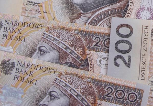 Dożywotni dodatek 400 zł miesięcznie dla działaczy opozycji w PRL - coraz bardziej realny