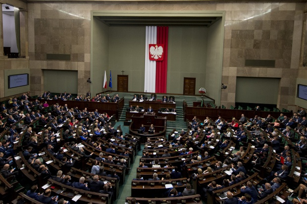 """Sejm: wniosek PiS o odrzucenie projektu PSL zakładającego """"emerytury bez podatku"""""""