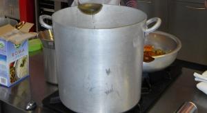 Toksykolog: gotowanie bigosu w garnku z aluminium może być szkodliwe