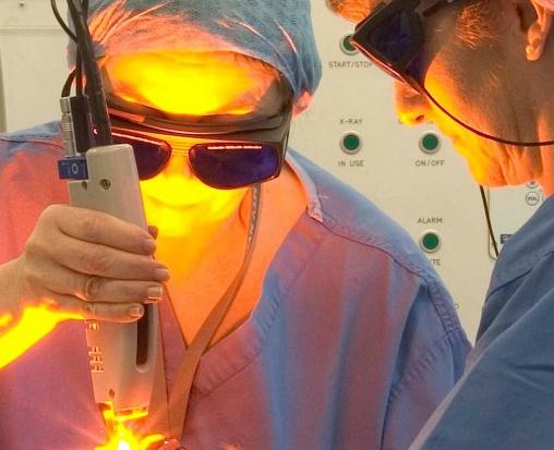 """Specjaliści o leczeniu laserem nietrzymania moczu: """"metoda niesprawdzona, wątpliwie skuteczna"""""""