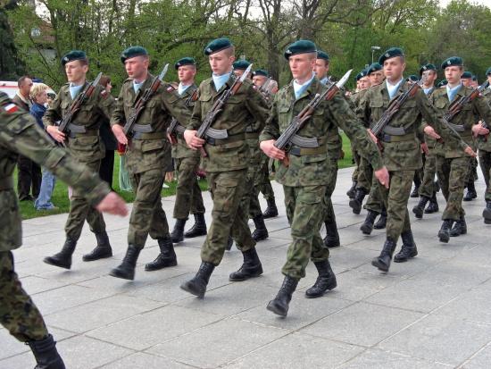 Byli szefowie MON: widzimy w projekcie ws. emerytur ludzką i żołnierską krzywdę