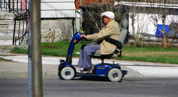 """MIiR pracuje nad programem """"Dostępność Plus""""  dla seniorów i niepełnosprawnych"""