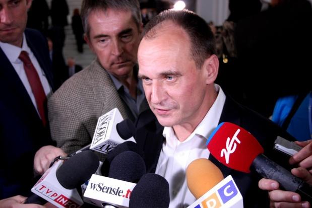 """Paweł Kukiz: """"jeśli obniżać emerytury, to strażnikom systemu, trzy mln Polaków było w PZPR""""."""